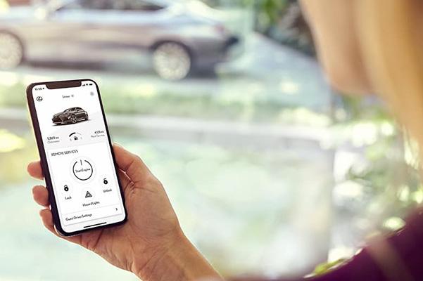 Lexus owner using their Lexus Technology App