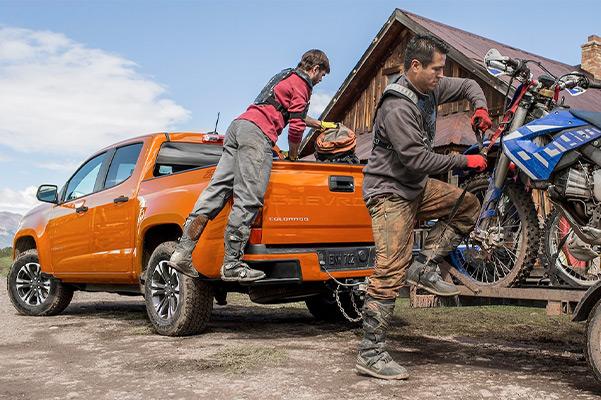 2021 Chevy Colorado towing dirt bikes